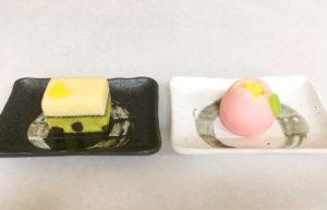 右:桃始笑(ももはじめてさく) 左:菜虫化蝶(なむしちょうとなる)